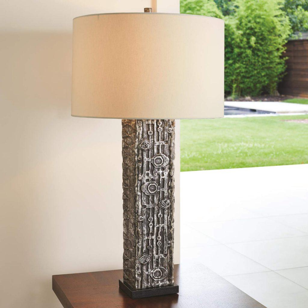 8.82511 Abstract Block Lamp